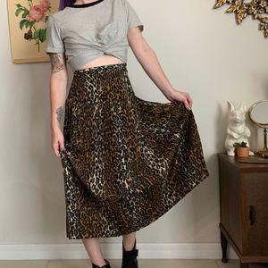 Vintage Le Suit Paris Leopard Print Midi Skirt